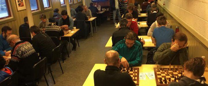Langsjakk: Knallstart for 44 spillere!